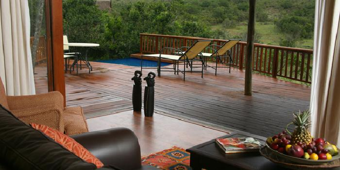 Deck with plunge pool