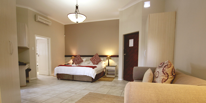 Ibhayi Town Lodge Luxury Suite