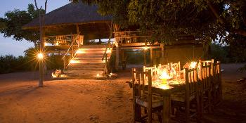 rhino_safari_camp