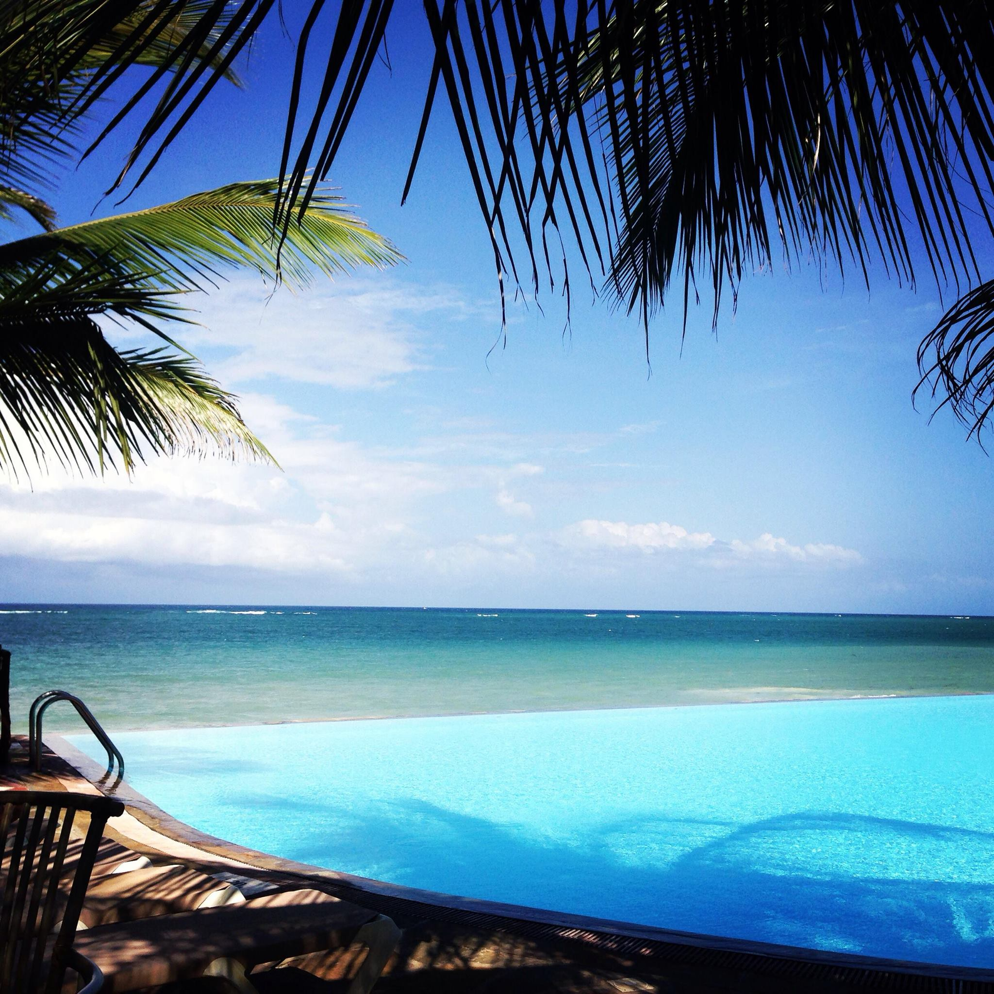 Beautiful pool with a view overlooking the Indian Ocean