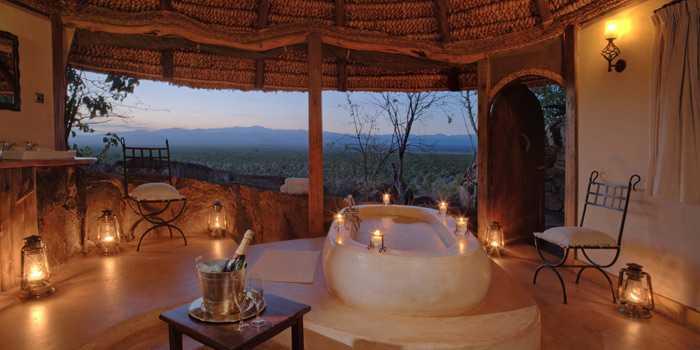 Romantic bath Elewana Elsa's Kopje, Kenya