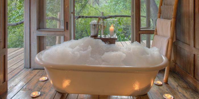 Candlelit bath in &Beyond Lake Manyara Tree Lodge - Tanzania