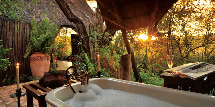 Outdoor bath, The Hide - Zimbabwe